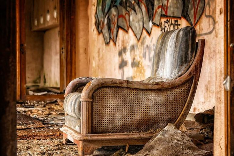 9 Tips To Treat Woodworm in Antique Furniture
