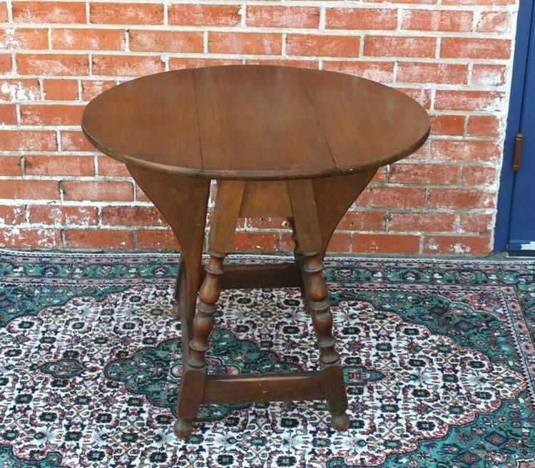 English Antique Oak Small Drop Leaf Table
