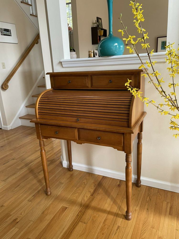 Small vintage roll top desk - Maple Wood