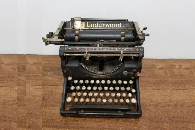 Antique 1920s Underwood Standard Typewriter No 5 DisplayRestoration