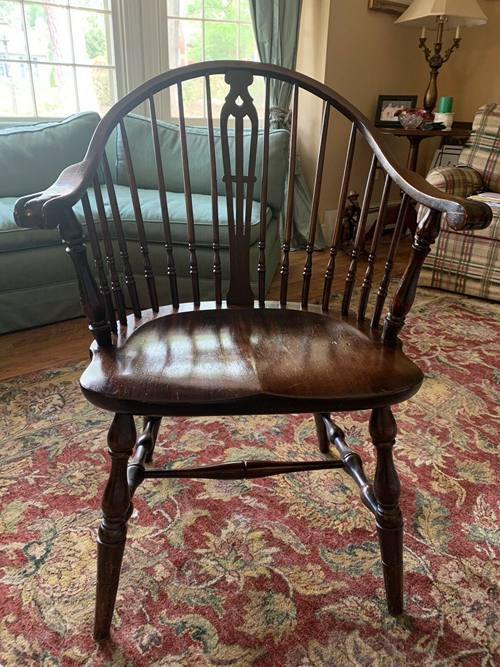 Antique Mahogany Windsor Chair Arm Knuckle/Claw Spindle Back Turned Legs Braces