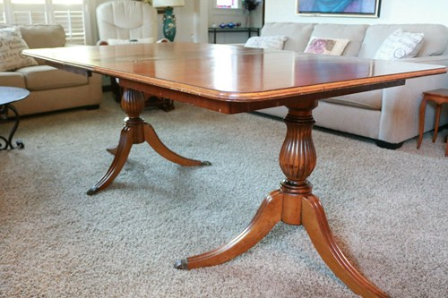 Federal Style mahogany double pedestal dining table with one leaf