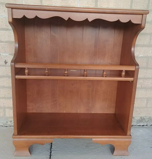 Vintage 1970s Colonial Revival Americana Maple Small Open Bookcase Shelves
