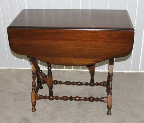 Vintage Drop Leaf Gate Leg Game Table