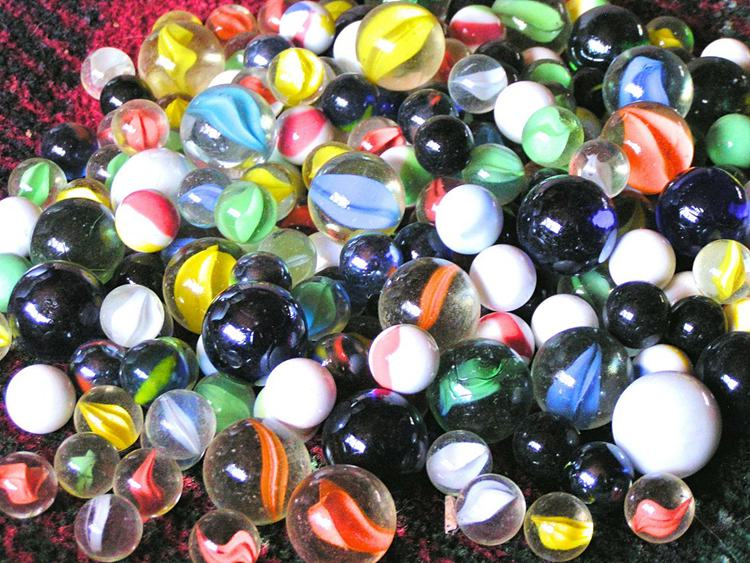 Antique Marbles Identification and Value Guide