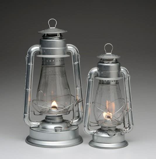 Oil Lamp vs Kerosene Lamp