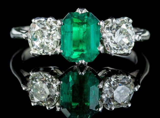 Antique Edwardian Emerald Diamond Ring