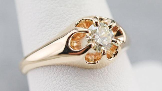Unisex Diamond Engagement Ring