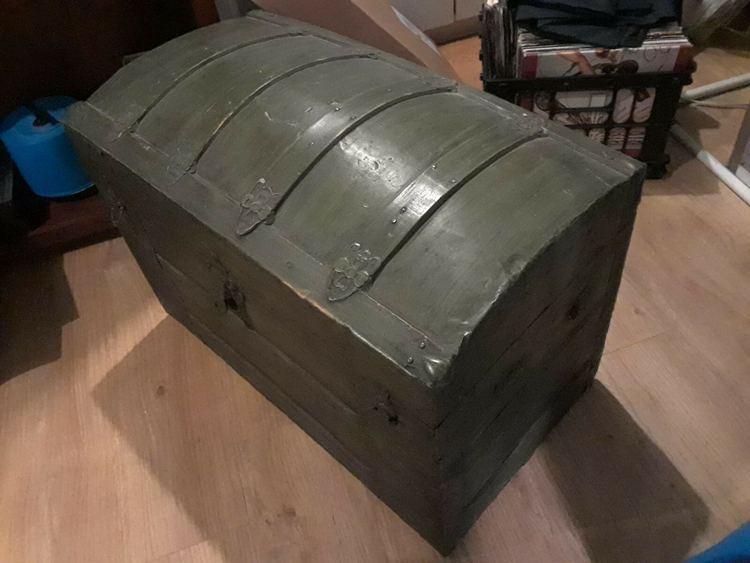 Antique Steamer Trunk Bride Chest Saratoga Barrel Dome Top Floral Tin W