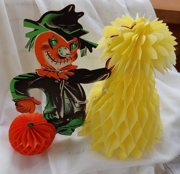 Halloween Honeycomb Scarecrow