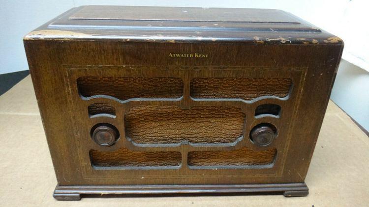 VINTAGE WOODEN ATWATER KENT MODEL 155 SUPER HETERODYNE TUBE RADIO